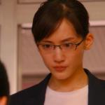 義母と娘のブルース 綾瀬はるかのリュックとメガネのブランドは?
